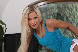 Dido Angel WetAndPissy HD