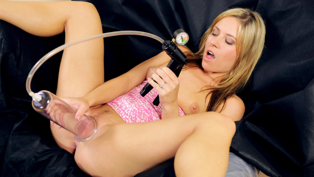 Jessica Rox Moaning and piss