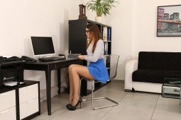 Office Piss Play #1