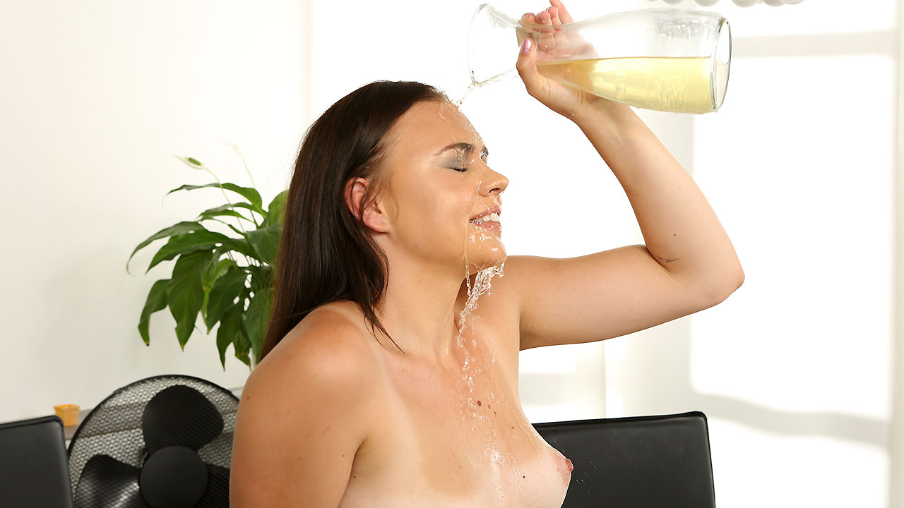 Piss Play Debut