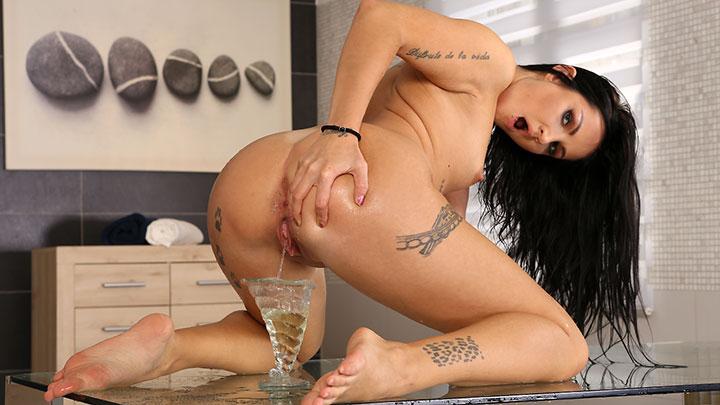 Porn Video Wetting Her Panties